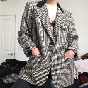 Velvet collar houndstooth coat